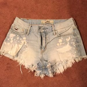 Size 5 Hollister ripped shorts